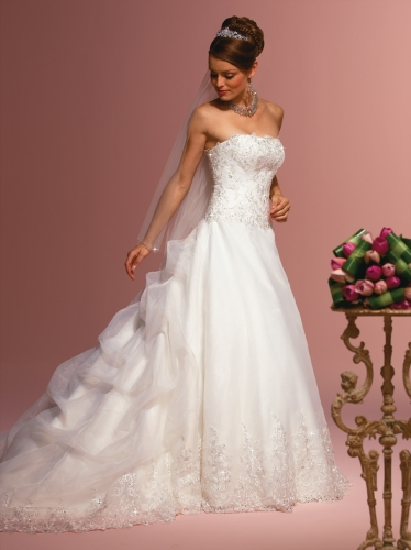 wedding dresses 2011. Wedding Dresses 2011