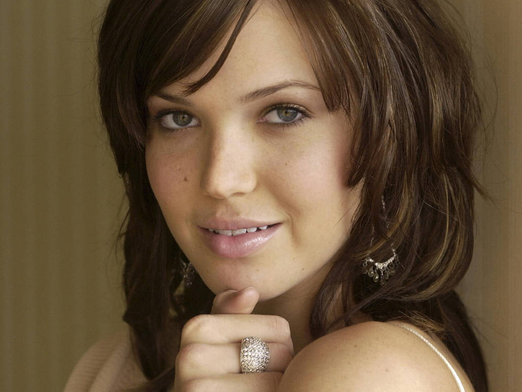 http://4.bp.blogspot.com/_HkbWdsz-H8g/S72CyuoupwI/AAAAAAAAHso/TP9AfSgj5wM/s1600/Mandy-Moore-41.JPG