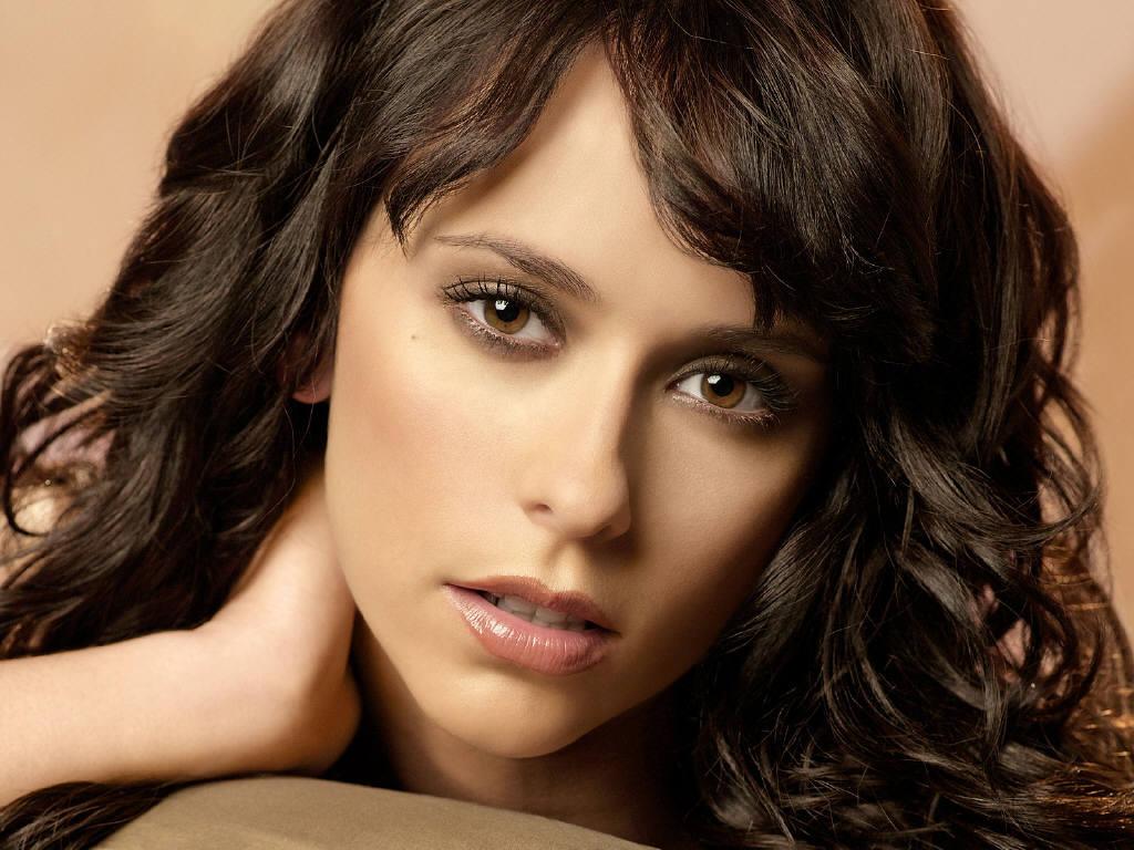 http://4.bp.blogspot.com/_HkbWdsz-H8g/S8BLEI9NO-I/AAAAAAAAI3Q/QZkzQzlBgIM/s1600/Jennifer-Love-Hewitt-14.JPG