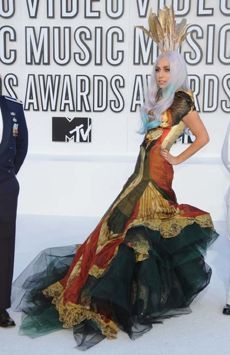 lady gaga red carpet dresses. LADY GAGA IN ALEXANDER MCQUEEN