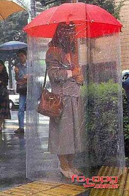 Guarda Chuva Excêntrico de Capa