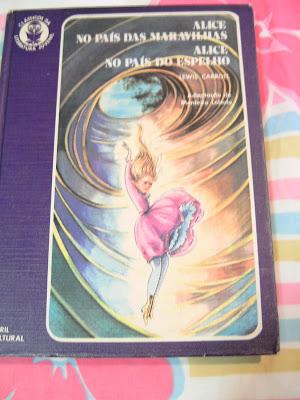 Livro Alice no País das Maravilhas e Alice no País dos Espelhos