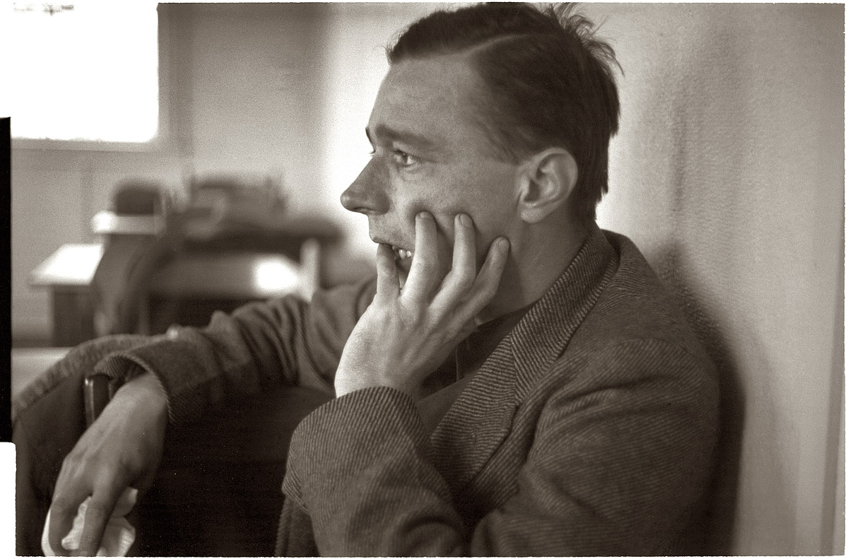 "walker evans Walker evans november 3, 1903 – april 10, 1975 ""i work rather blindly i  have a theory that seems to work with me that some of the best things you ever  do."