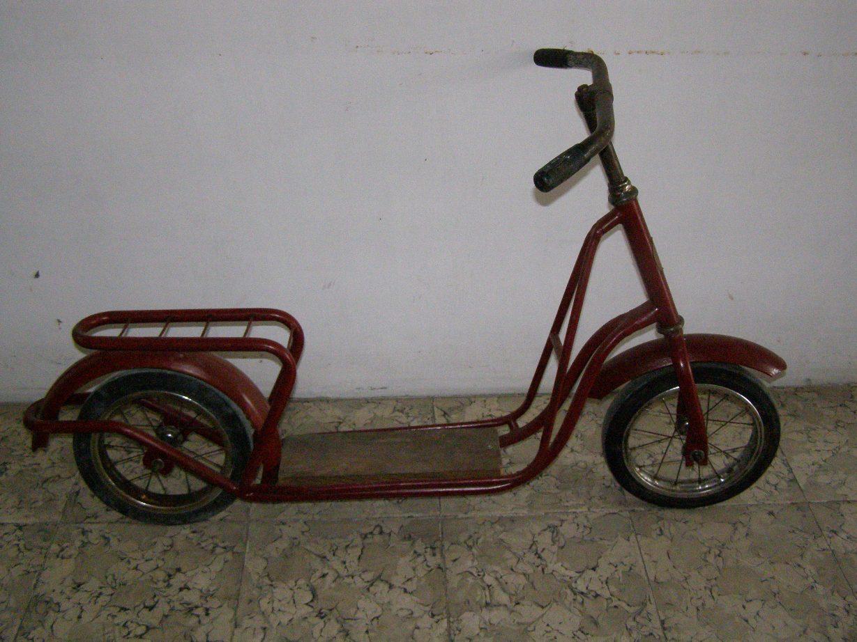Motor Sepeda Antik
