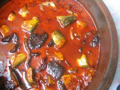 IMG 1354 - Kerala Mathi Mulaku-arachathu/Sardines in Red Curr