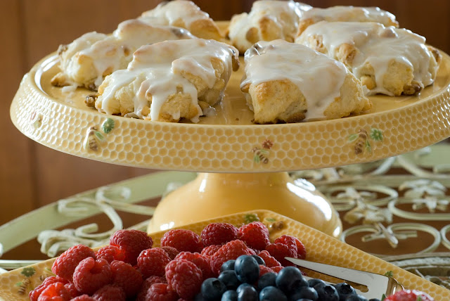 Simply So Good: Lemon Curd and White Chocolate Lemon Scones