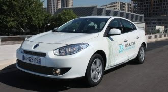 Renault Fluence ZE front view