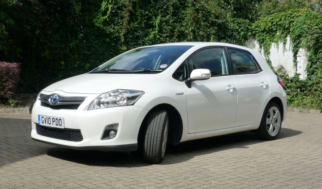 toyota auris hsd hybrid review. Black Bedroom Furniture Sets. Home Design Ideas