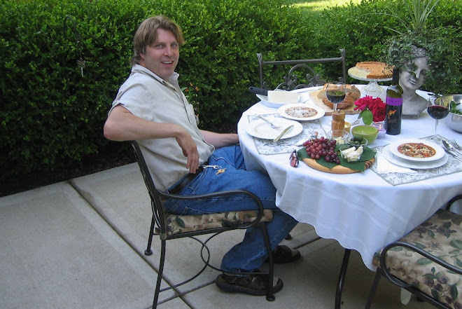 "Have U Met ""Lucky B""? ~ Mark dining alfresco (What, no mosquitoes?)"