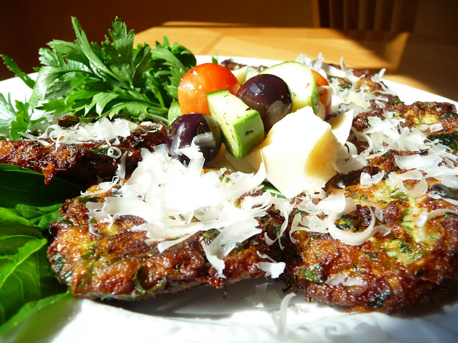 Kolokithokeftedes (Zucchini Fritters, Greek Style/Katie Style)
