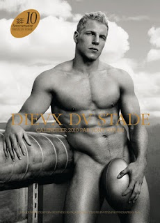 James Haskell international anglais qui fait la couverture du calendrier Dieux du Stade 2010.