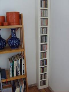 Muebles andrea schoennenbeck mueble para cd de madera - Muebles para cd ...