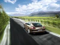 2011 porsche panamera v6 images 003 Porsche Panamera Beats Sales Targets, Company Revises its Full Year Forecast