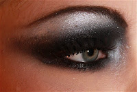 glamour smokey make up