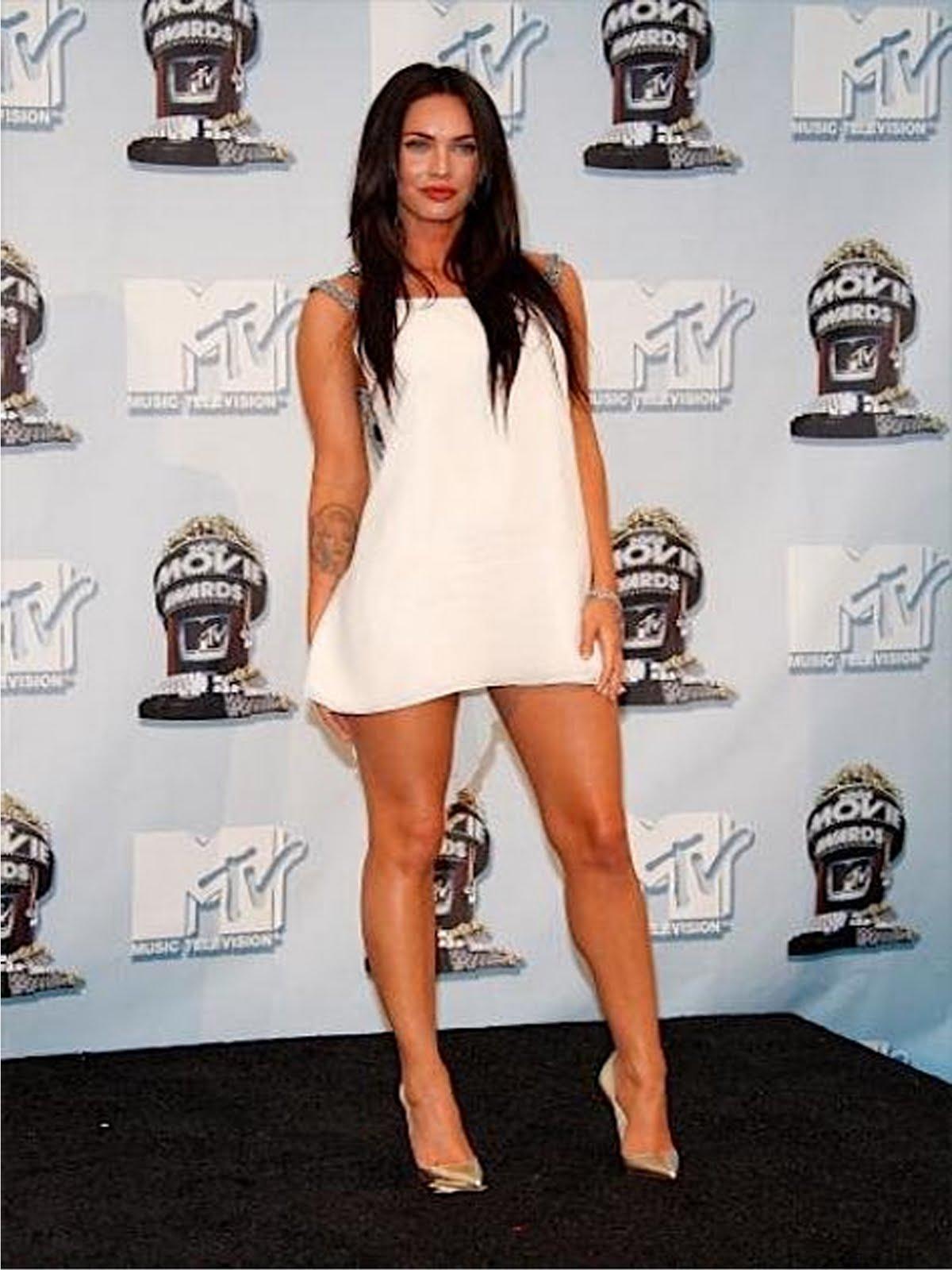 http://4.bp.blogspot.com/_HuxIOCoOmxw/Sw1qNXorqvI/AAAAAAAAACo/eT0OD2ywLEY/s1600/Megan+Fox.jpg