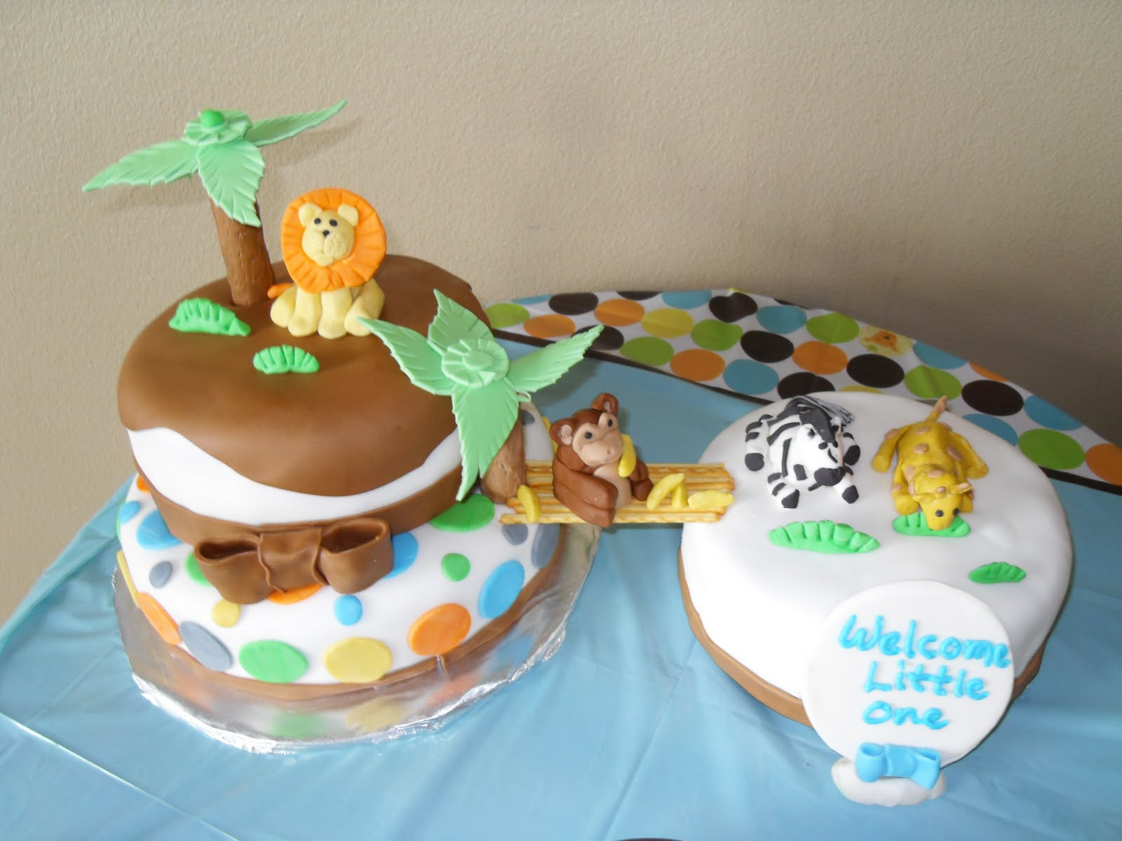 three sweet cakes jungle baby shower cake