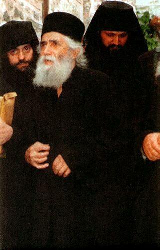 Cuviosul Paisie Aghioritul si alti monahi