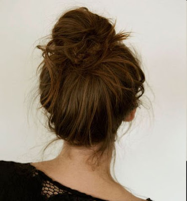 Curly Hair Messy Bun