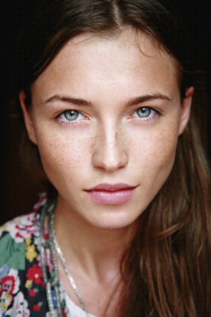 how to get freckles without makeup