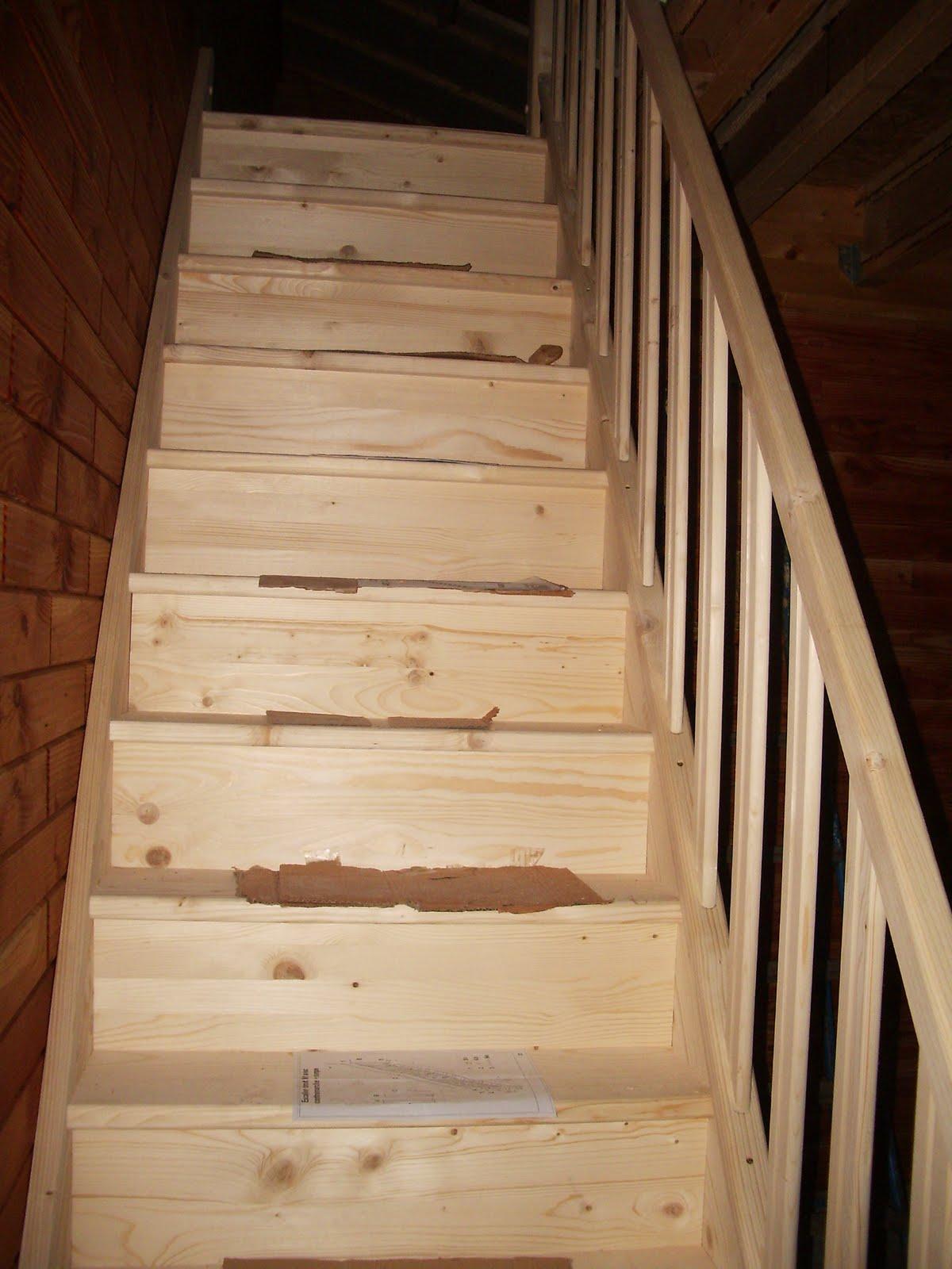 Ma maison en parpaings de bois bvb escalier - Vitrifier un escalier en bois neuf ...