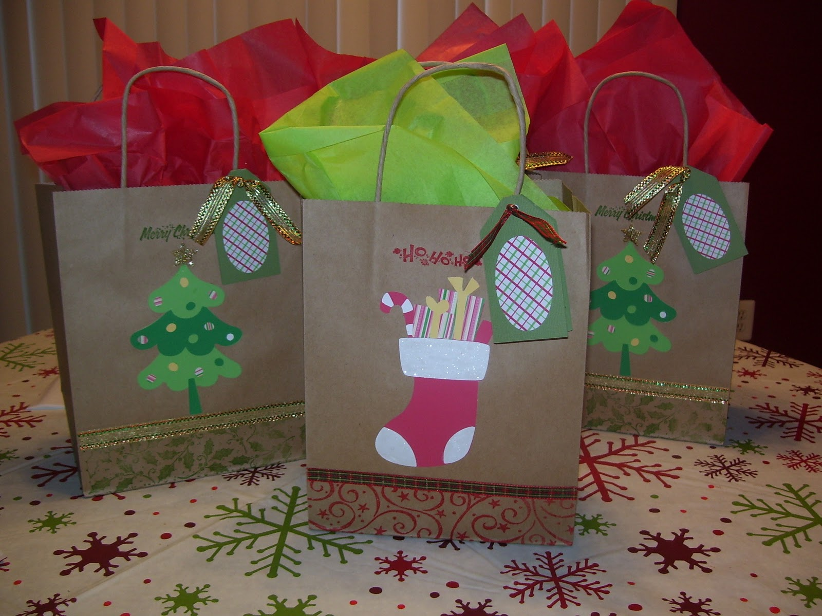 Create your classroom christmas gift bags