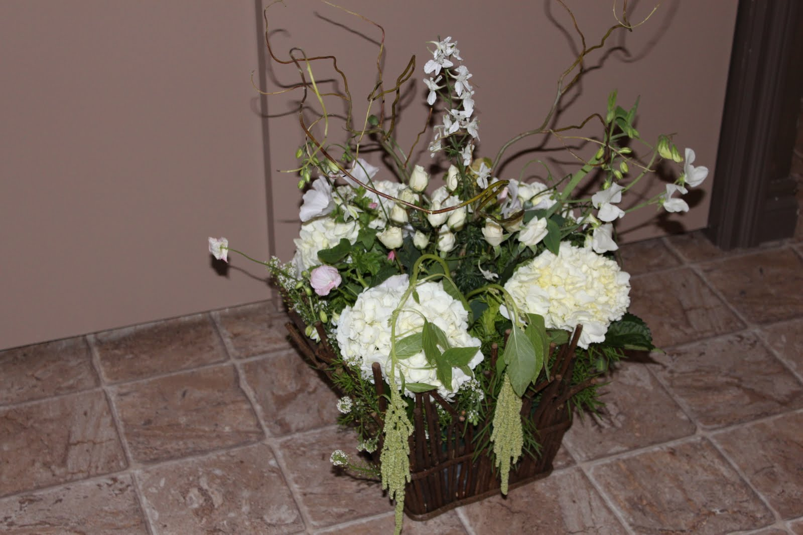 Modern Rustic Centerpiece : Daffodil floral designs modern rustic reception centerpieces