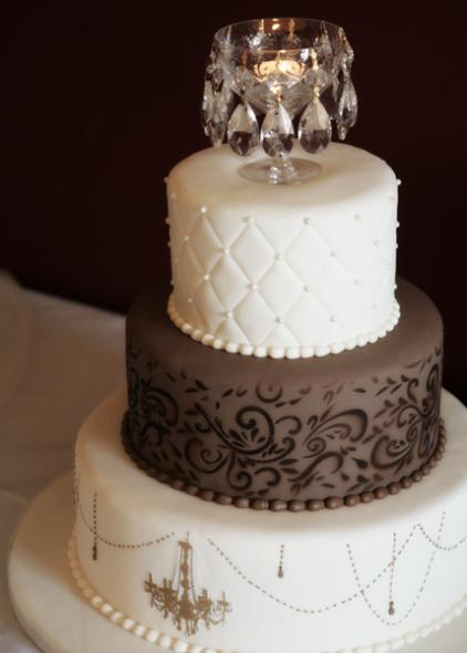Have your wedding cake reflect your interest