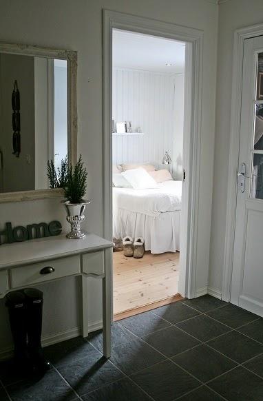 lille w soverom. Black Bedroom Furniture Sets. Home Design Ideas