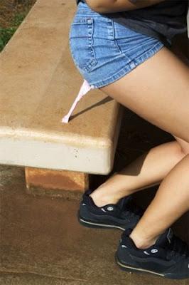 http://4.bp.blogspot.com/_I3JGQt0Ggn4/SGx2Uxge92I/AAAAAAAABsg/2joTpiEZPq0/s400/chicle-pegado.jpg