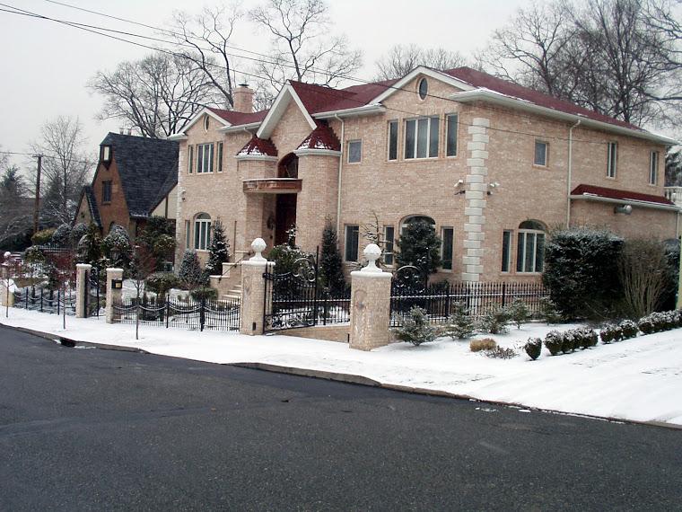82-09 Kent Street
