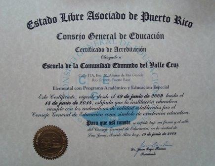 CERTIFICADO DE ACREDITACIÓN otorgado por el Consejo General de Educación de Puerto Rico