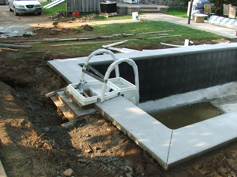 Une piscine desjoyaux for Bloc de filtration piscine