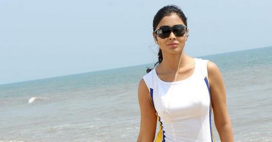 film news   kerala 8 shriya saran actress beach photo