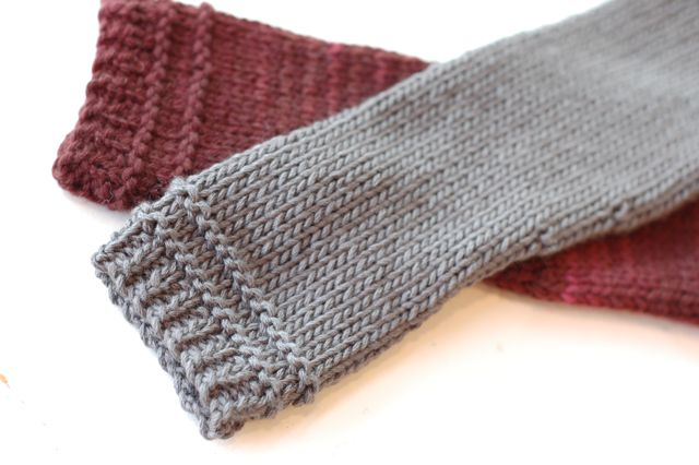 close knit: Free Pattern: Leah Gloves