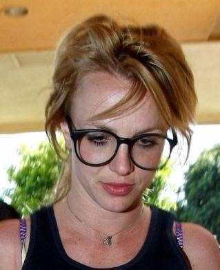 Attrici e modelle britney spears con gli occhiali da for Attrici con gli occhiali da vista