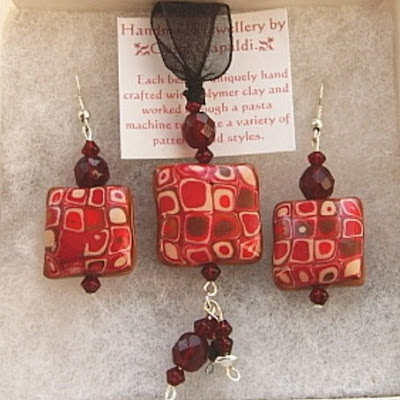 Red Retro Design - Pendant and Earring Set