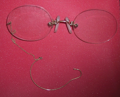pince nez ear loop earloop security