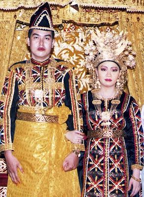 Foto+Pakaian+Adat+Kuantan+Singingi Pakaian Tradisional Nusantara II (Sumatera)