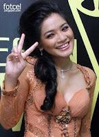 Model Baju Kebaya Titi Kamal