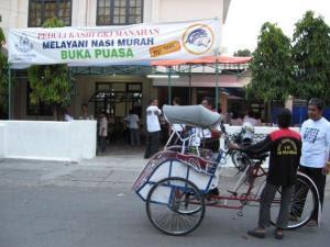 Buka Puasa Murah di Gereja Manahan, Solo