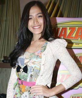 Jessica Iskandar, Masuk Islam