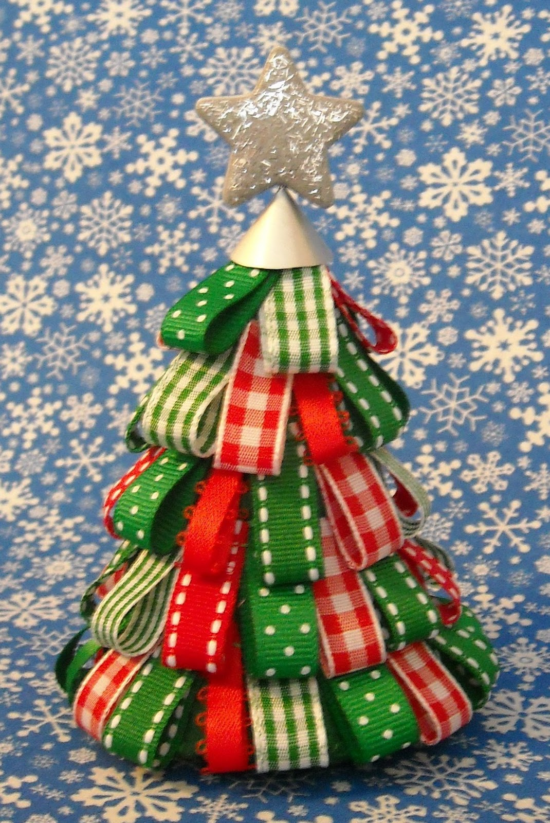 Crafter without a cat 3d ribbon tree - Christmas tree with ribbons ...
