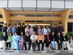 Gambar bersama usahawan-usahawan Sabah