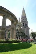 Guadalajara también es sede del Encuentro Internacional del Mariachi y la . catedral de guadalajara