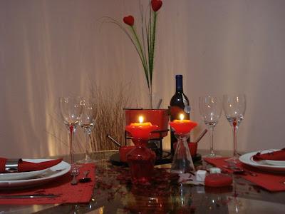 kit+romantico Olhem algumas dicas pra você decorar sua casa para o dia dos namorados: