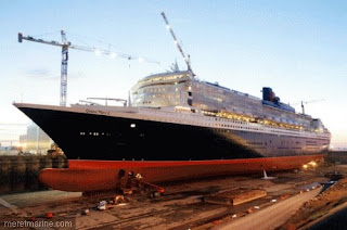 Marine inconnue l 39 horrible accident du chantier du queen for Queen mary 2 interieur