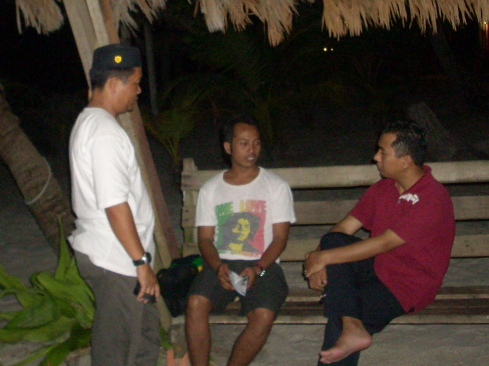 LANDAS Langkawi: GAMBAR SEKITAR PANTAI CENANG PADA MALAM 28/10/2010