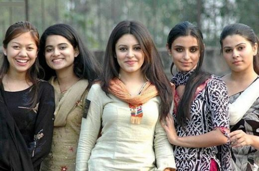Most Beautiful Babes Of Pakistan