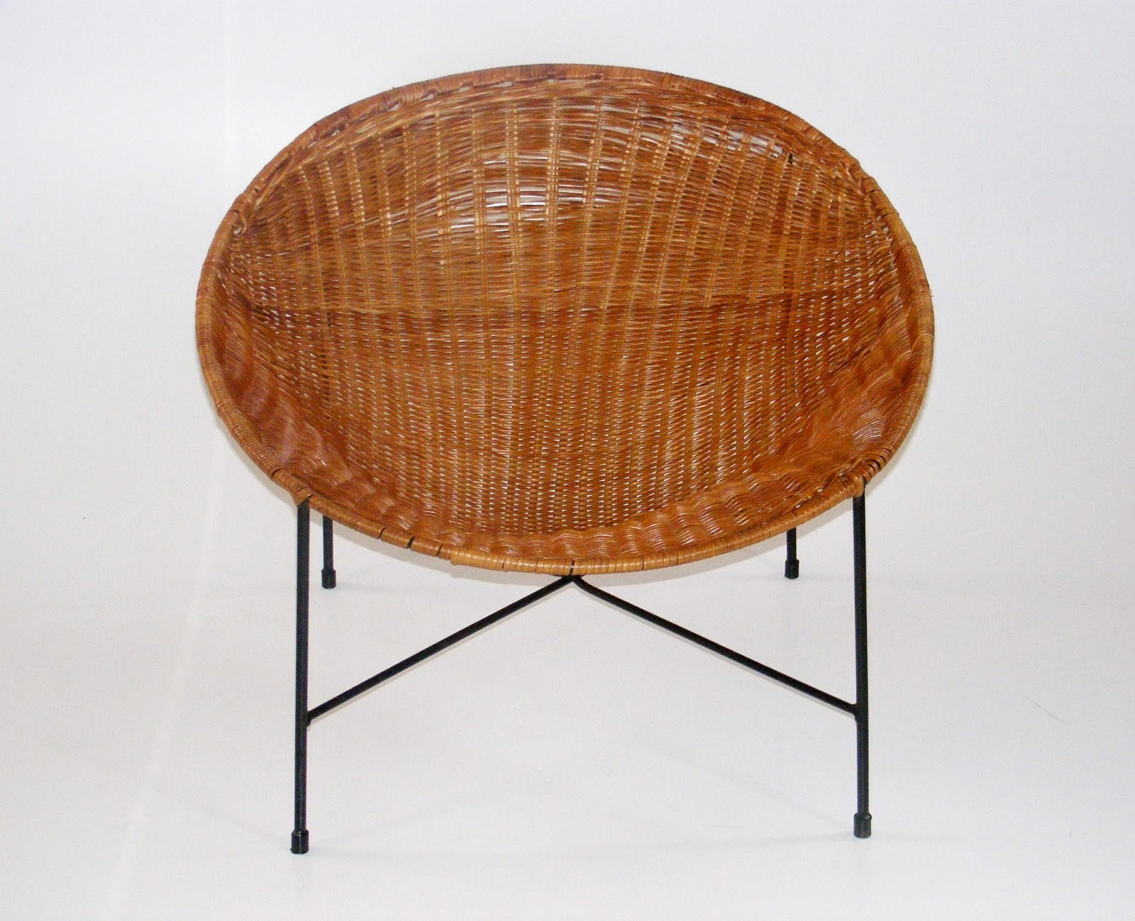 wicker tub chair with metal base soooooo comfy