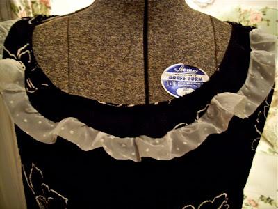http://4.bp.blogspot.com/_IIfjpv5LpGg/TAWfn225OnI/AAAAAAAAAWE/5dYhIZLYujY/s400/shirt+plain.jpg